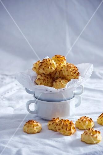 Vegan mashed potato rosettes