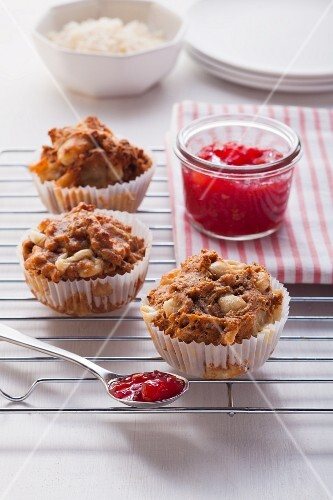 Cheese and onion muffins with tomato chutney