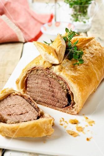 Beef Wellington (Beef fillet in puff pastry)