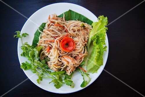 Thai noodles with carrots