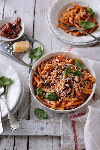 Pasta with tomatoes, basil, and parmesan