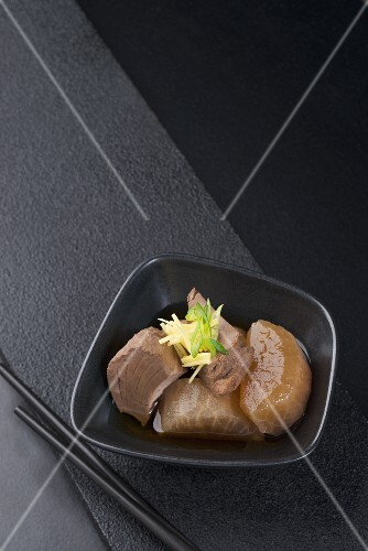 Buri Daikon (yellowtail fillets and daikon radishes in broth, Japan)