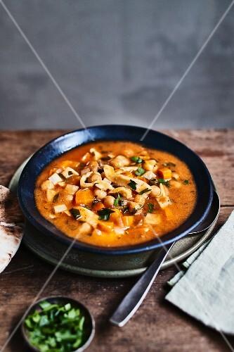 Halalem (Nudelsuppe mit Gemüse, Tunesien)
