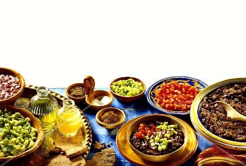 Foul (ägyptisches Gericht mit braunen Bohnen) & Zutaten