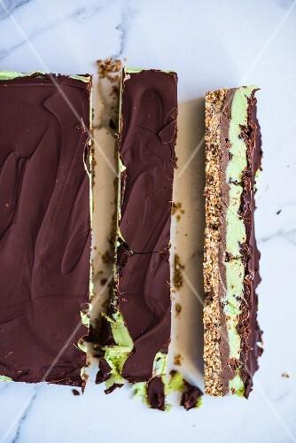 Vegan raw chocolate and mint tart