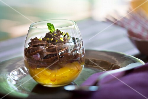 Soya and chocolate pudding with oranges