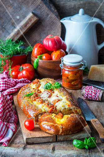 Roast tomatoes and cheese bread