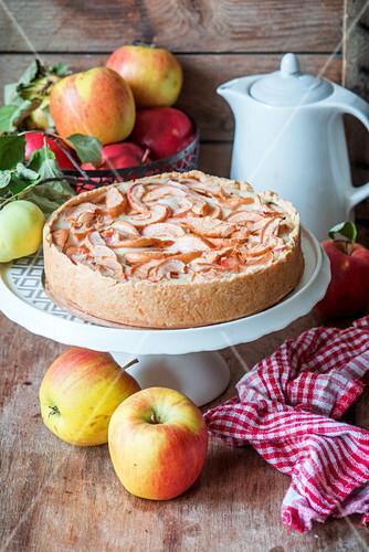 Apfelkuchen mit Sahnefüllung
