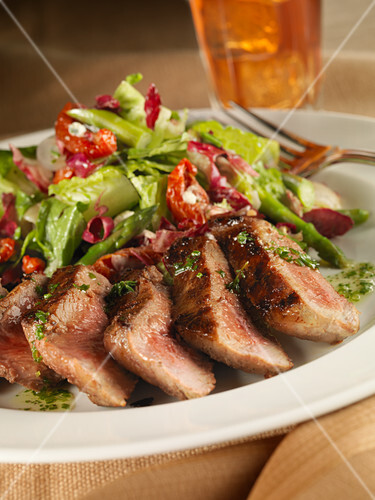 Sirloin steak with vegetable salad