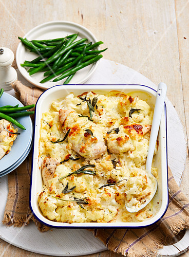 Creamy Cauliflower and Chicken Bake