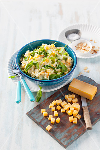Turkey Stamppot with cheese and flaked almonds