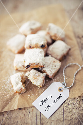 Stollen bites with a marzipan filling