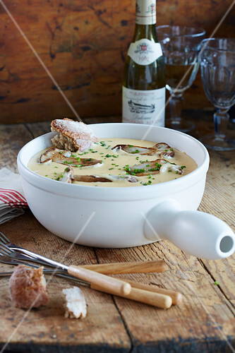 Jarlsberg cheese fondue with mushrooms