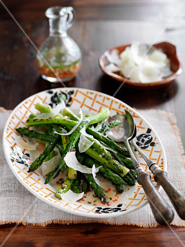 Green asparagus with chili vinaigrette and parmesan shavings