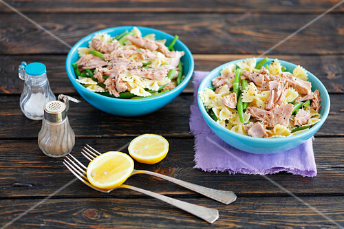 Pasta with tuna, green bean and lemon
