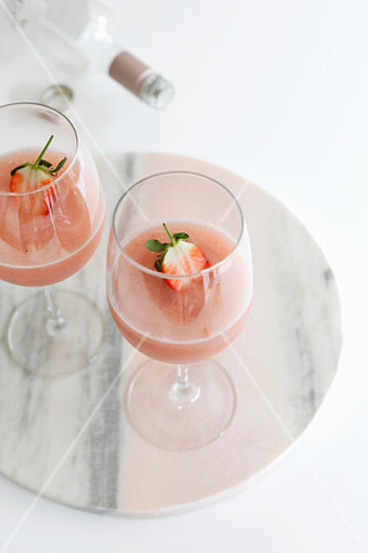 Frosé: Semi-frozen drink made of rosé wine, strawberries, sugar and lemon juice