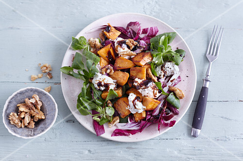 Radicchio salad with fried sweet potatoes and ricotta
