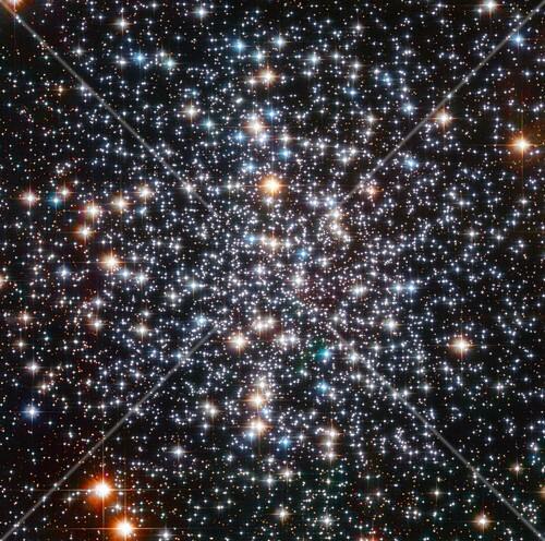 Messier 4 globular cluster, Hubble image
