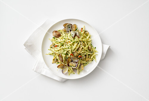 Trofi (Italian pasta) with basil pesto and clams