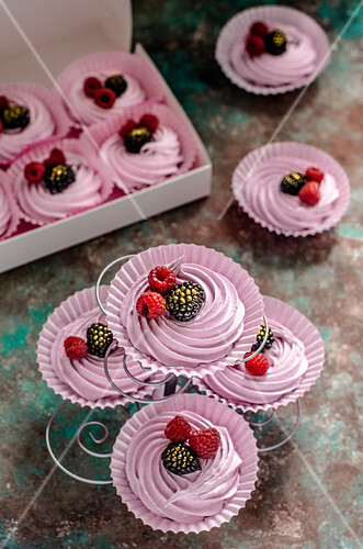 Zefir with raspberries and blackberries for party