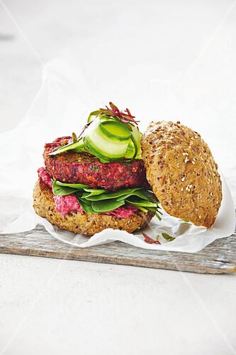 Rote Bete-Bohnen-Burger