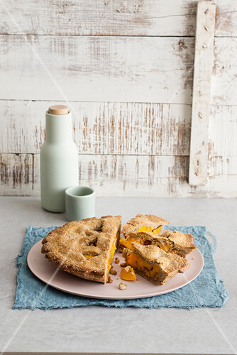 Buckwheat pie with apricots and amaretti