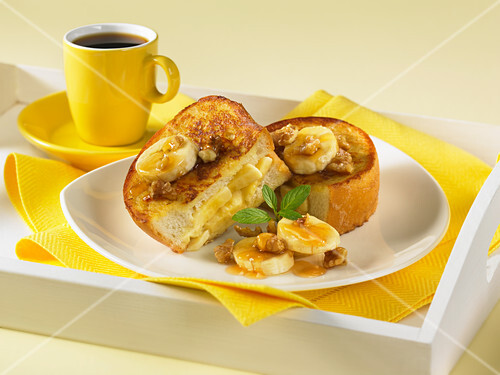 French toast filled with bananas and walnuts