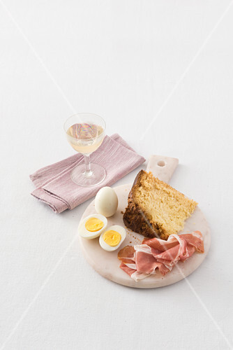 Pinza with ham and boiled egg