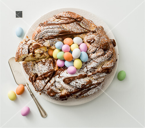 Easter wreath with cinnamon (Italy)
