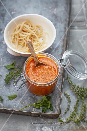 Vegane Basis-Tomatensauce