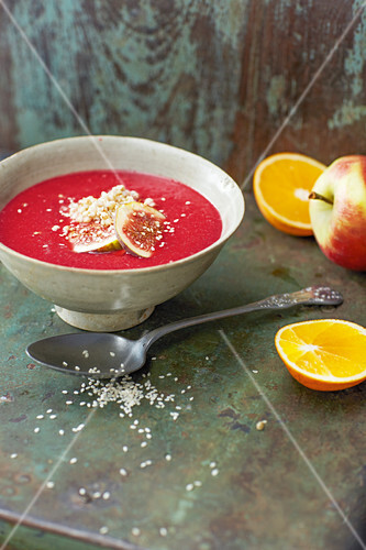 Immune booster bowl made from beetroot, oranges and ginger (vegan)