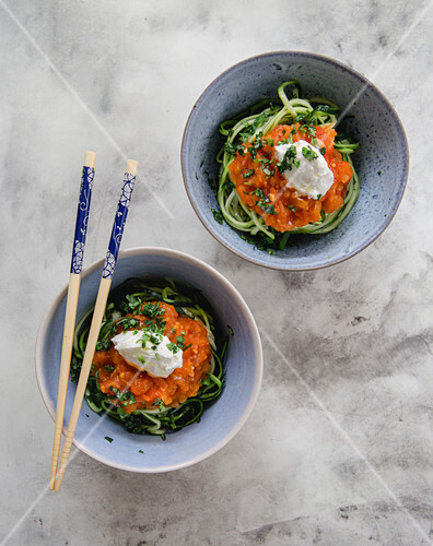 Zoodles with tomato sauce and ricotta