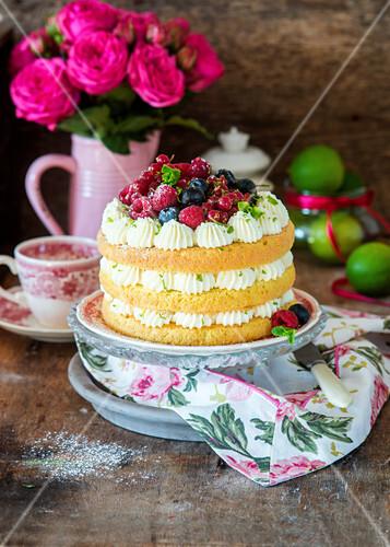 Lime layer cake with berries