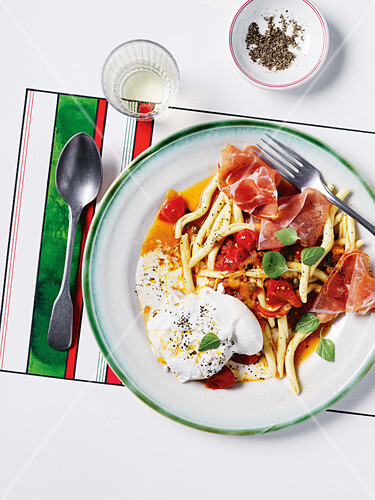 Pepperonata with prosciutto and burrata