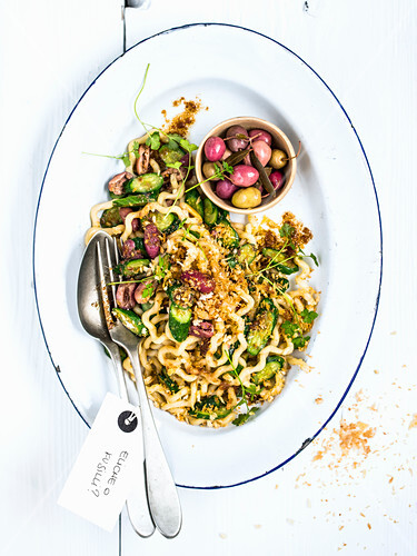 Fusilli col buco alla palinurese (pasta with courgette, olives and breadcrumbs, Italy)