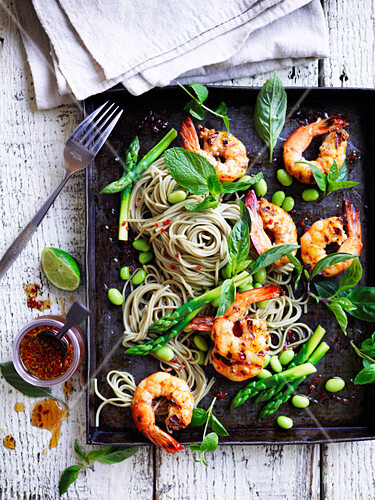 Thai prawns with soba noodles and asparagus