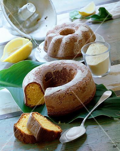 A ring-shaped polenta cake