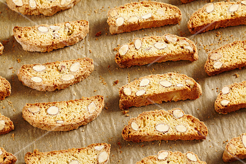 Cantuccini (Italian almond biscuits)