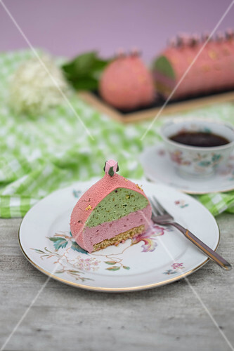 Raspberry rose cake with pistachio mousse