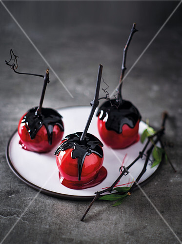 'Poison' toffee apples