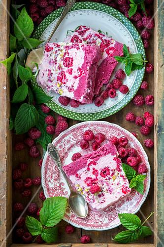 Raspberry and pistachio ice cream cake