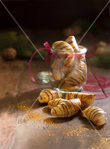 Walnut crescents (Christmas)