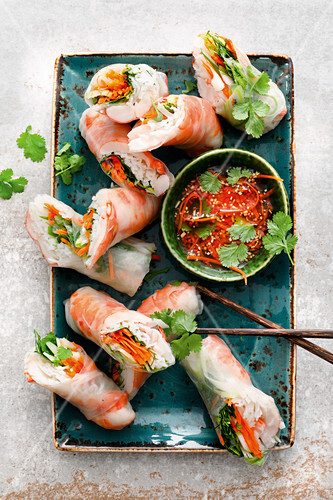 Summer rolls with shrimp and chili fish sauce