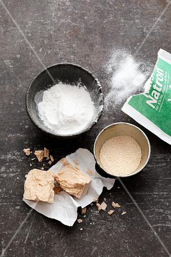 Raising agents – baking powder, baking soda, fresh yeast and dried yeast