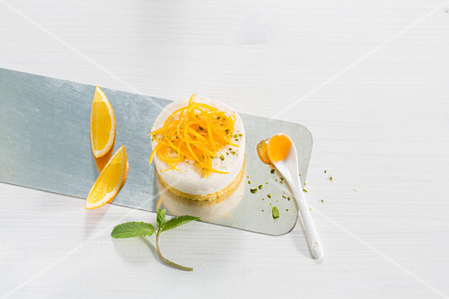 Orange tarts with orange zest