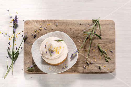 Orange tart with lavender