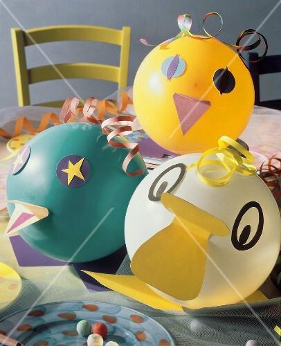 Balloon birds for children's carnival