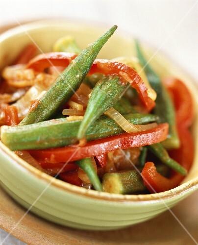 Okra and paprika casserole