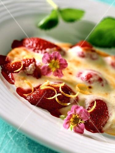 Erdbeeren mit Quarkcreme überbacken