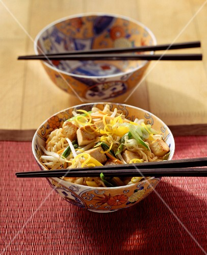 Chinese style egg noodles with tofu and vegetables